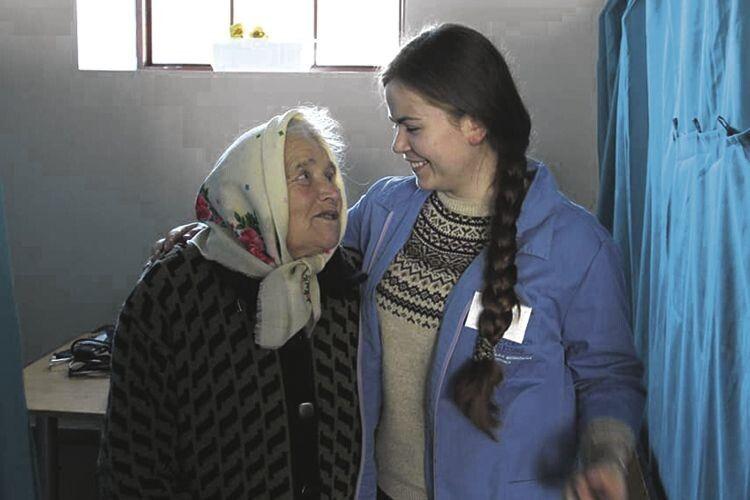 До пацієнтів – із усмішкою.