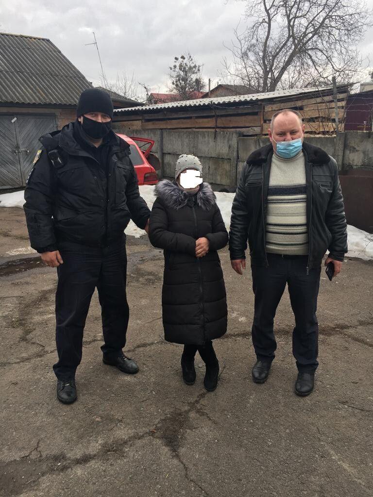 Жінку підозрюють у крадіжці 12 тисяч гривень на Ратнівщині.