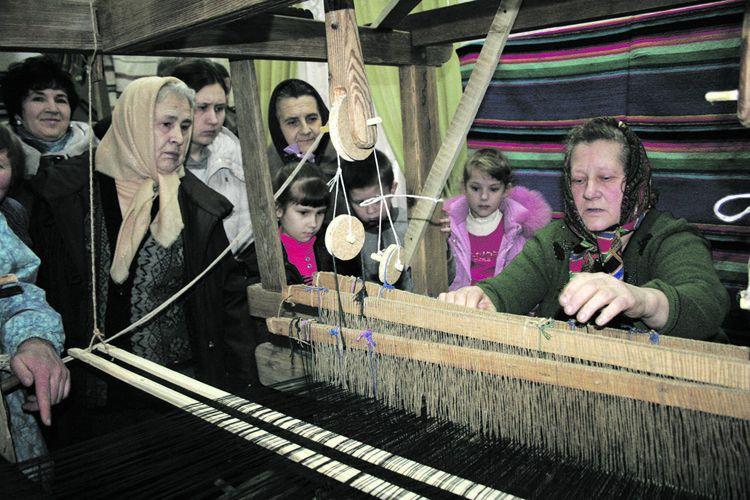 Майстер–клас із ткацтва від Неоніли Федорівни у Затурцівському музеї В'ячеслава Липинського.